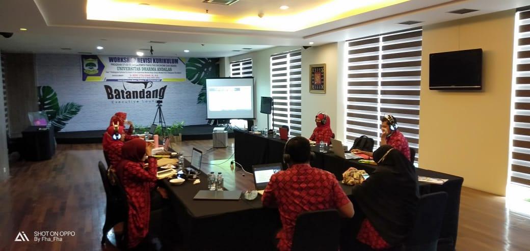 Prodi S1 Manajemen UNIDHA Laksanakan Workshop Revisi Kurikulum